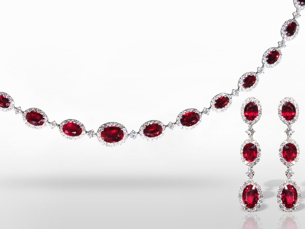 18k White Gold15ct (TW) Burma Ruby and Diamond Necklace and Earrings Set
