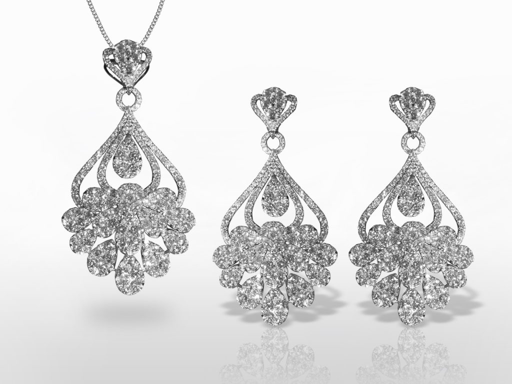 18k White Gold Cluster Diamond Pendant Necklace and Dangling Earrings Set