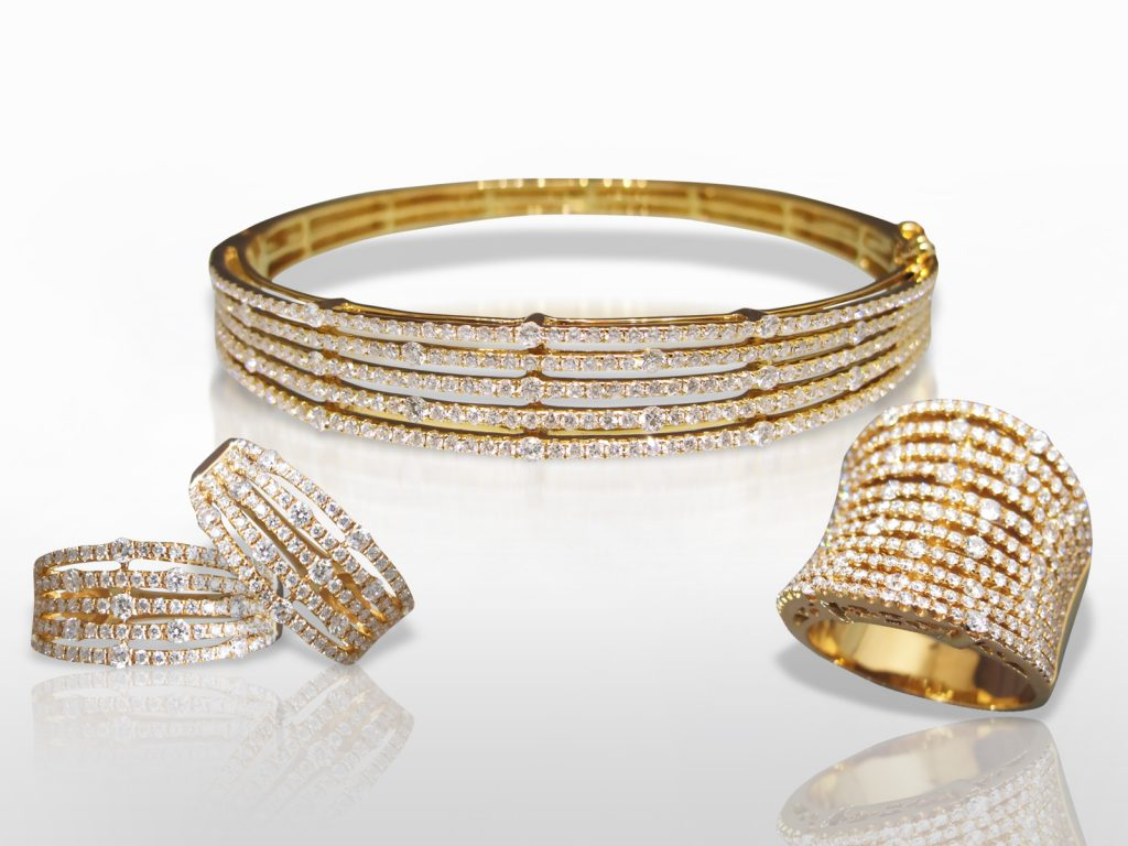 18k Yellow Gold Cluster Diamond Bangle, Earrings and Ring Set