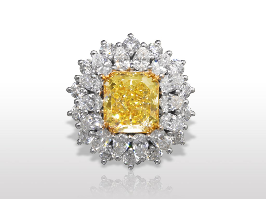 GIA Certified 18k White and Yellow Gold 6.19ct Fancy Yellow Diamond Ring/Pendant
