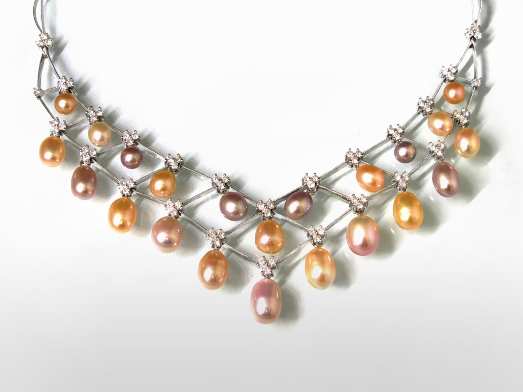 18k White Gold Pearl and Diamond Necklace