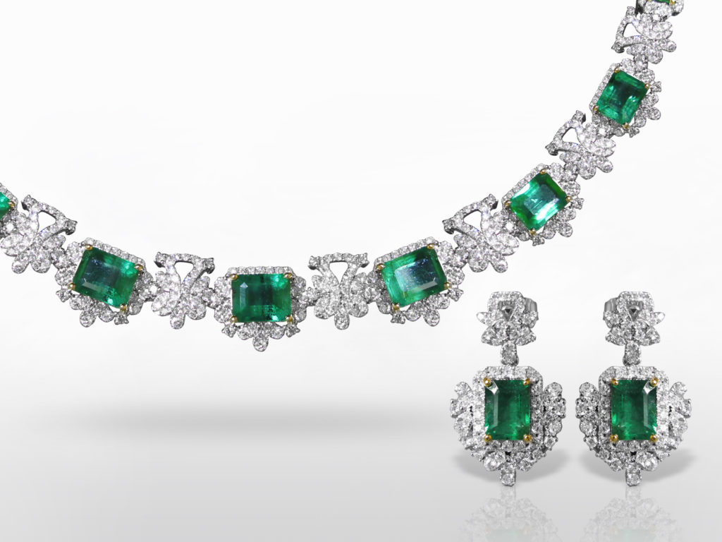 14k White Gold 17ct (TW) Emerald and Diamond Necklace and Earrings Set