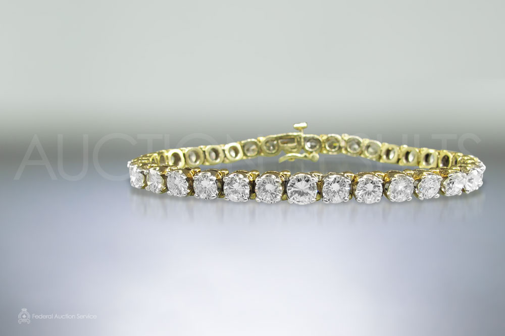Lady's 14k Yellow Gold 11.22ct Diamond Bracelet sold for $17,000